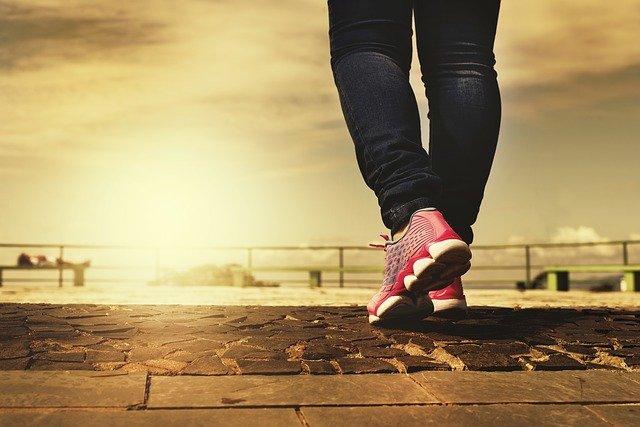 Sport apres liposuccion - marche à pieds