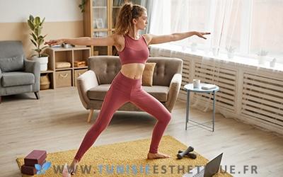 Femme pratiquant sport pour garder effets liposuccion