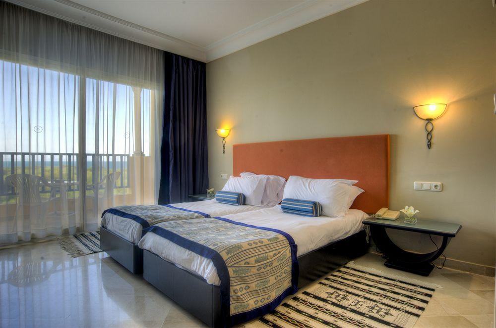 chambre hotel ramada plaza